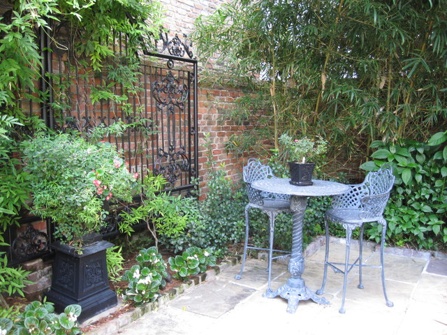 French quarter courtyard for French style courtyard ideas