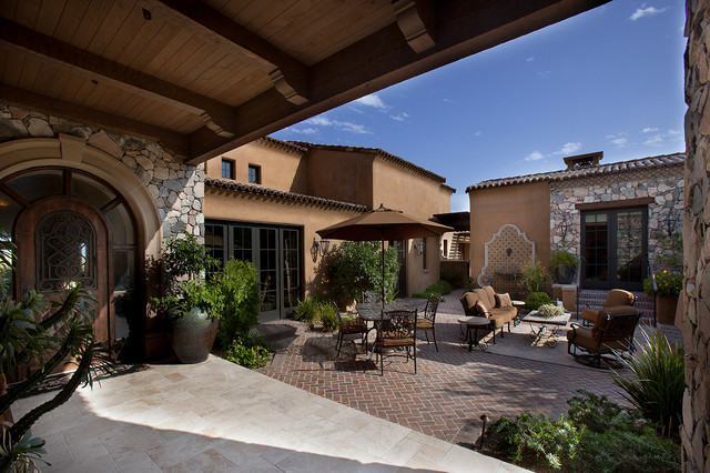 Front entry courtyard mediterranean patio phoenix for Courtyard in front of house