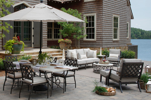 Home staging the yard