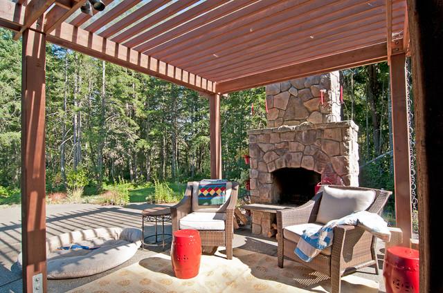 Furwood transitional-patio