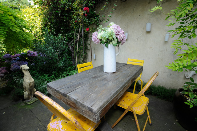 Garden shabby chic patio london by beccy smart for Decoration patio exterieur