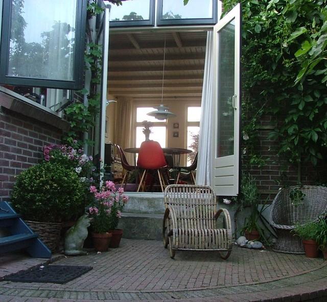 Garden midcentury-patio