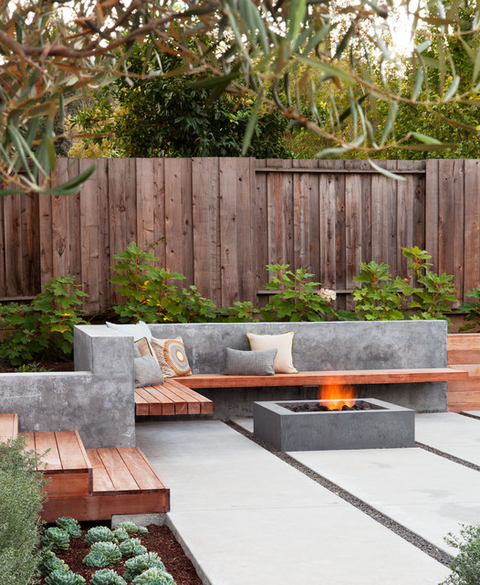 Gathering Table contemporary-patio