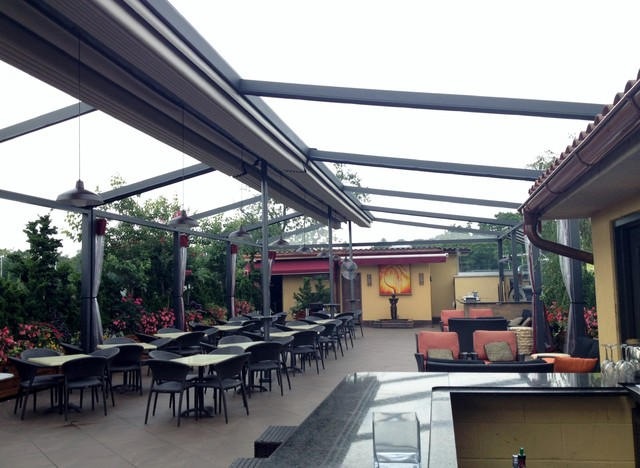 Gennius Retractable Pergola Awning For Restaurant Penthouse Dining Area Med