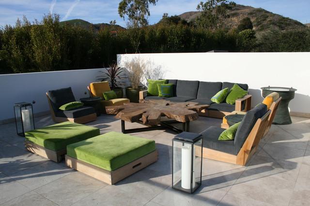 Glam Ventura Home contemporary-patio