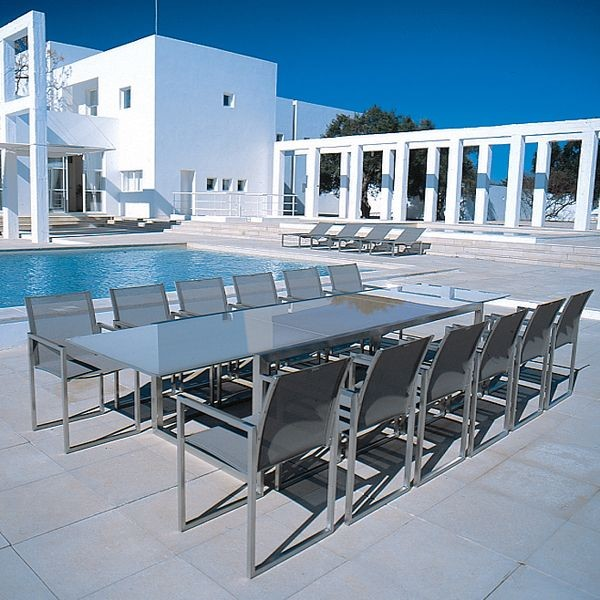 Glass top outdoor extension dining table garden dining for Outdoor patio extensions