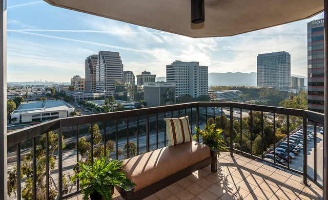 Glendale highrise transitional patio los angeles for Highrise apartments in los angeles
