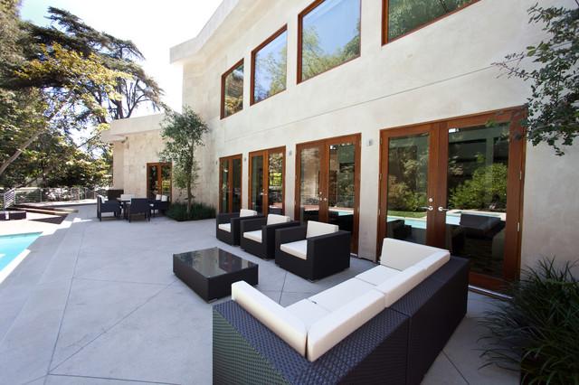 Globus Builder contemporary-patio