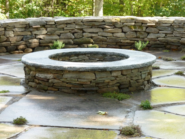 Fieldstone Rock Patios : Granite patio with fieldstone fire place