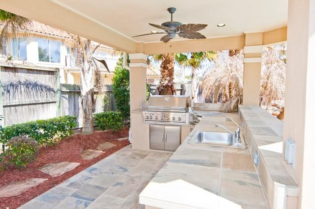 Great Outdoor Spaces mediterranean-patio