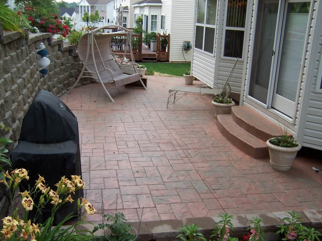 Green Park, Missouri stamped concrete back patio with step set