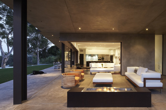 GRIFFIN ENRIGHT ARCHITECTS: Mandeville Canyon Residence modern porch