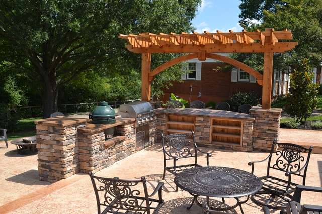 Grill Bar Pergola Traditional Patio Cincinnati By