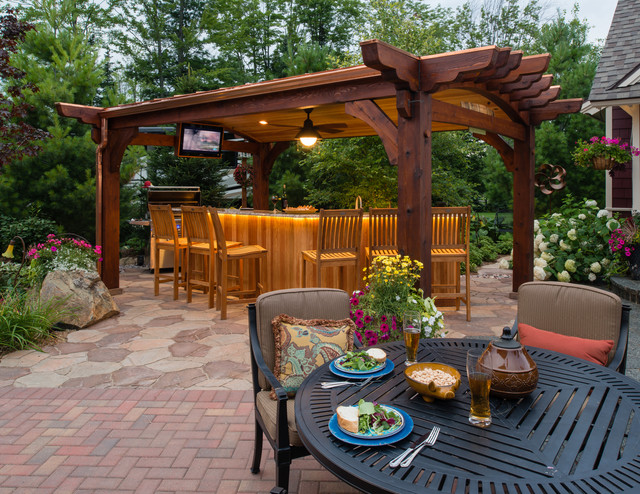 Grillin' and Chillin' traditional-patio