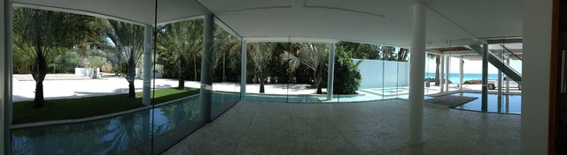 Gulf Front Florida residence contemporary-patio