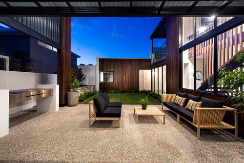 contemporary-patio 15 Beautiful Examples of Teak Furniture Designs