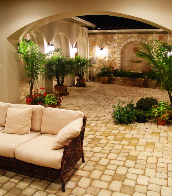 Hacienda courtyard at flintrock lakeway texas for Mexican porch designs