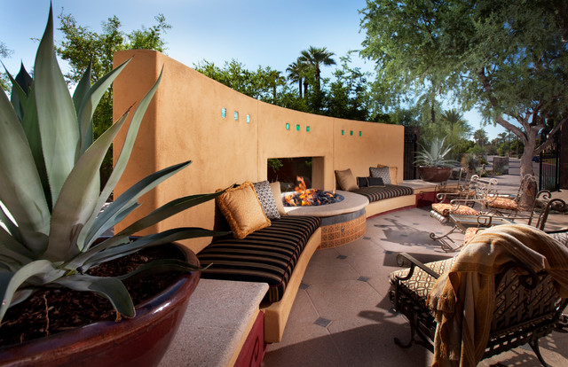 Modern Outdoor South West Hacienda Modern - Outdoor Dining Banco american-southwest-patio