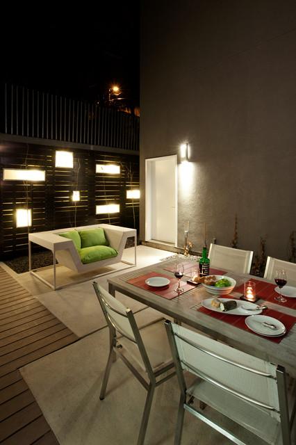Hannon Richards Infill - Outdoor Room modern-landscape