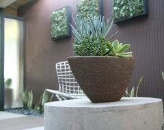 Haramaki modern-patio