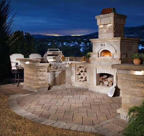 5 fantastic built ins for luxury outdoor living for Luxury outdoor living