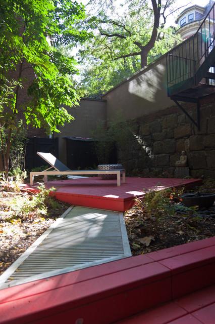 Harriet's Garden contemporary-patio
