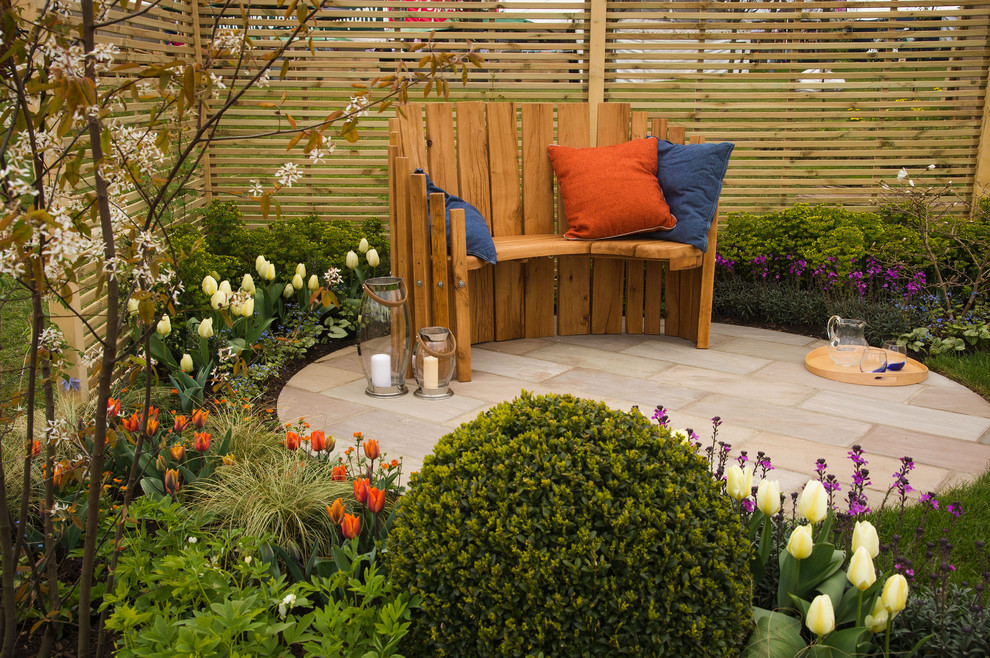 What Are Some Small Backyard Deck Decorating Ideas?