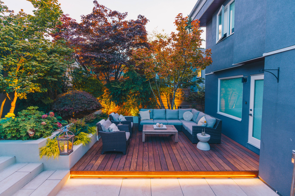 Example of a mid-sized minimalist patio design in Vancouver