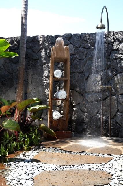 Hawaiian Rustic tropical-patio