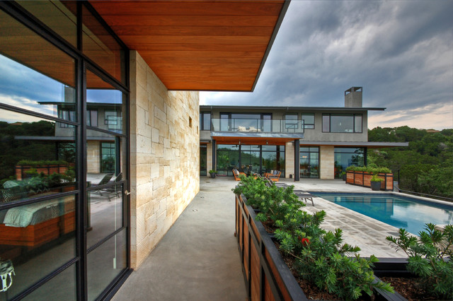 Hill Country Residence modern-patio