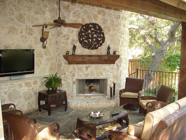 Hill Country Retreat Traditional patio