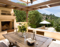 Hilltop Compound contemporary patio