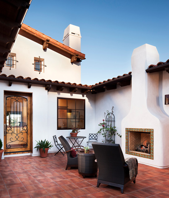 Classic Patio Ideas In Mediterranean Style: Hilltop Hacienda