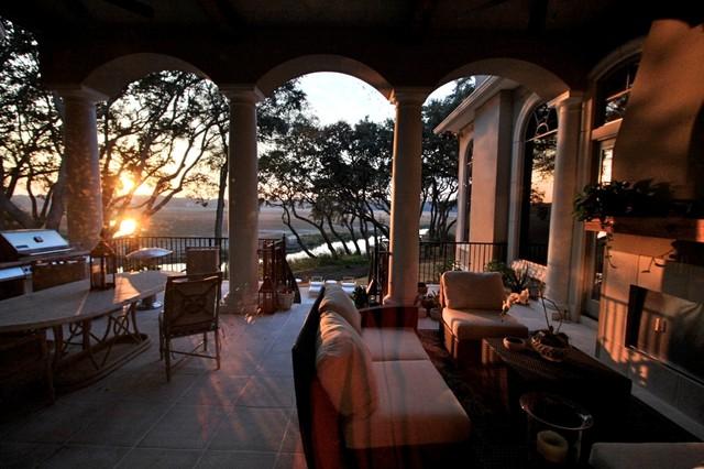 Hilton Head House mediterranean-patio