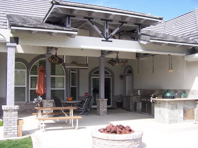 Hoffman Patio traditional-patio
