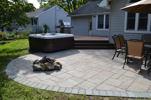 hot tub bullfrog spas with trex deck and cambridge paver