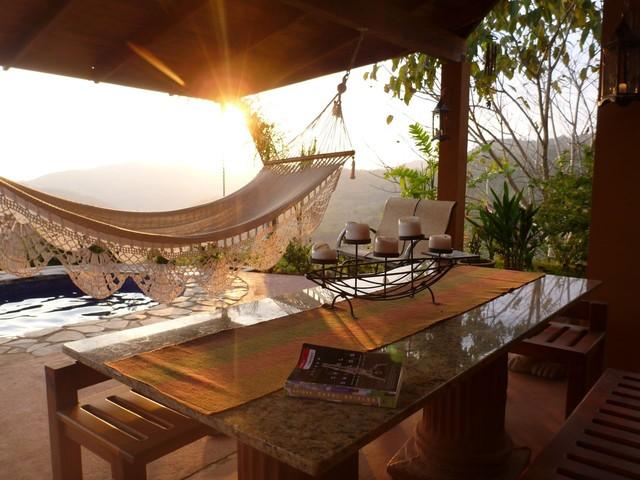 House in Dominical Costa Rica mediterranean-patio