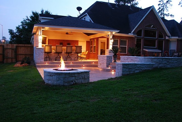 Houston covered patio with fire pit & nightlighting - Contemporary ...