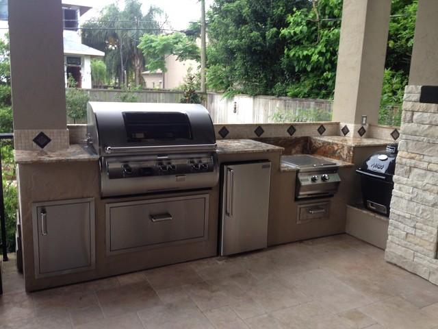 Houston outdoor kitchen goes mediterranean modern for Outdoor kitchen designs houston texas