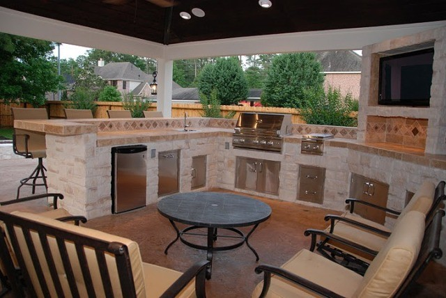 Houston Outdoor Kitchen Media Room And Bar With Firepit Contemporary Patio Other Metro