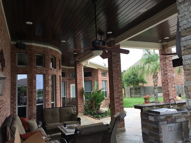 Great Houston Patio Addition With High Ceilings, Luxe Finishes Contemporary Patio
