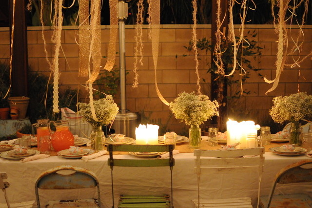 Houzz holiday contest a pretty backyard dinner party for Outdoor dinner party decorating ideas
