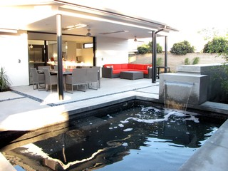 Houzz Tour A Labor Of Modern Love In Costa Mesa Midcentury Patio Orange County By Tara
