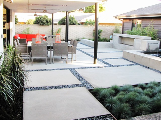Houzz Tour: A Labor of Modern Love in Costa Mesa ... on Houzz Backyard Patios id=33205