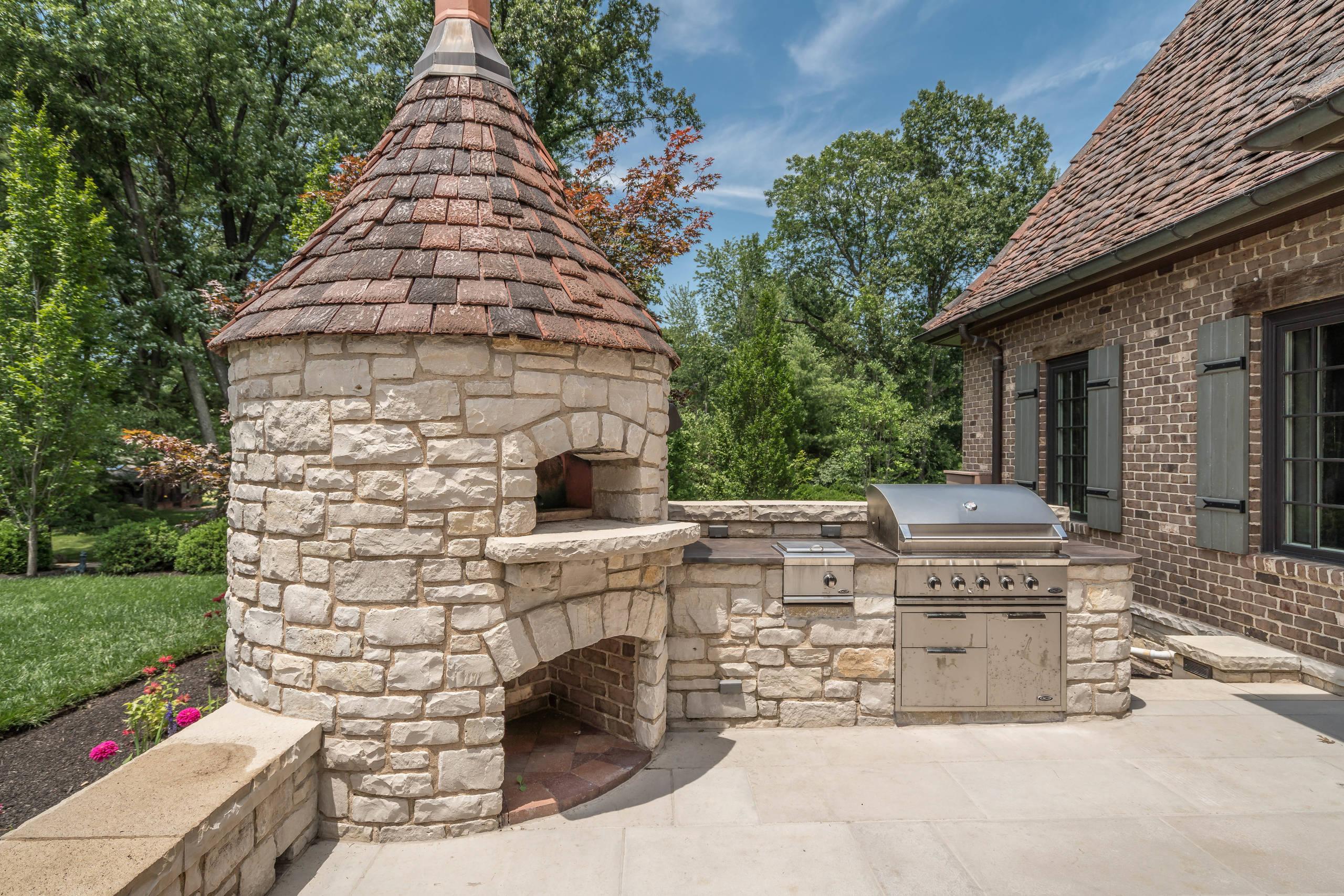 Huntleigh Woods Custom Home 3