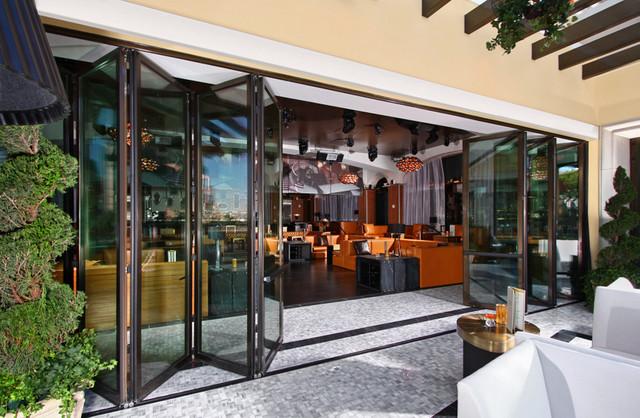 Hyde cocktail lounge at bellagio panda windows doors for Closet doors las vegas