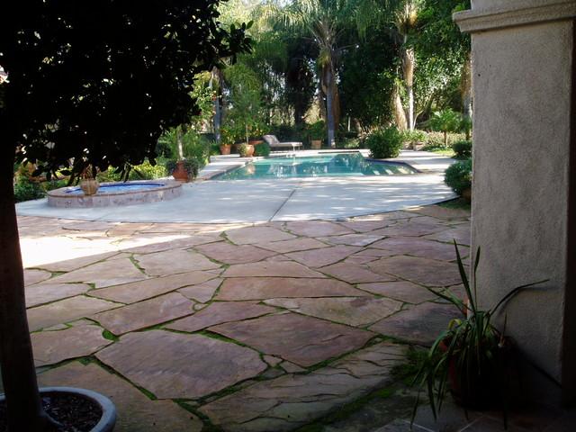 IDEAS: paving traditional-patio