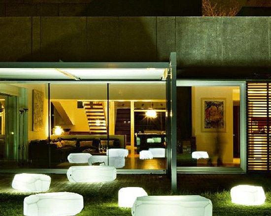 Illuminated Outdoor Furniture - The Meteor lighted table or stool is available in matte colors or in two lighted styles.