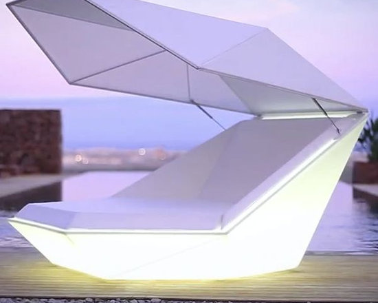 Illuminated Outdoor Furniture - The dynamic design of the Faz daybed becomes even more appealing when coupled with the latest bluetooth sound system and illuminated base options.