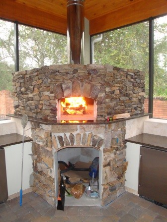 Indoor wood fired pizza oven